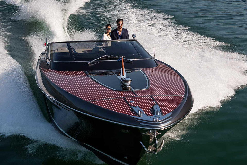 riva-rivamare-luxury-speedboat-001