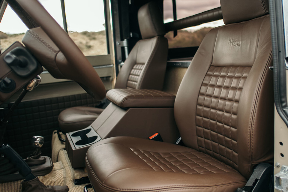 land-rover-discovery-90-heritage-custom-1