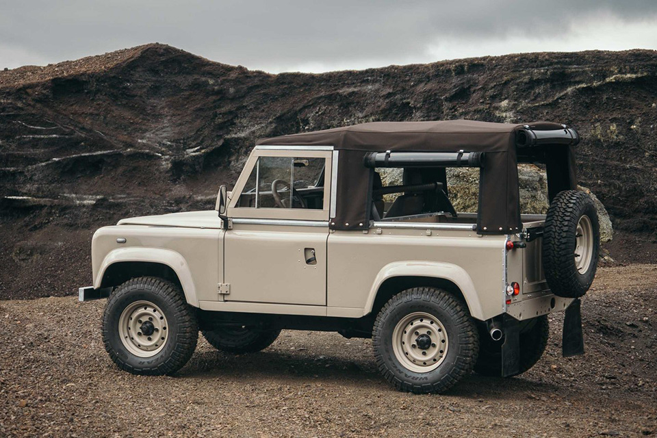 land-rover-discovery-90-heritage-custom-10