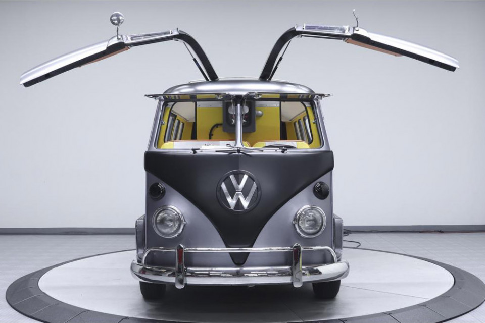volkswagen-bus-back-to-the-future-02-960x640
