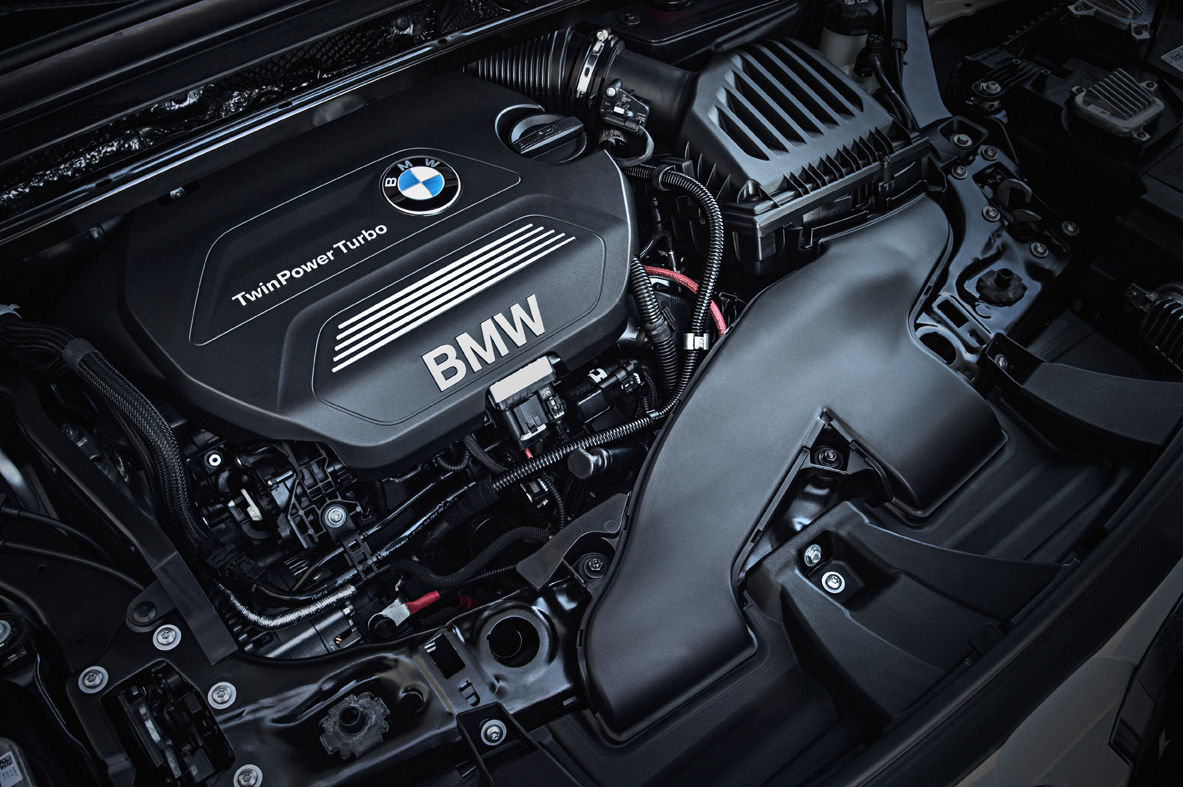 P90183675_highRes_the-new-bmw-x1-xline
