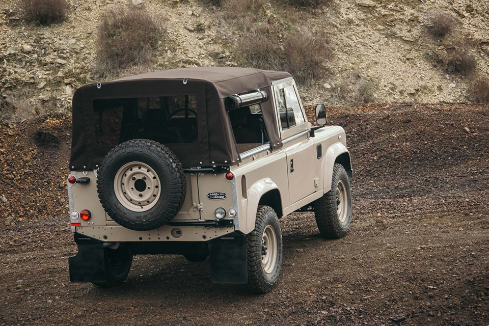 land-rover-discovery-90-heritage-custom-9