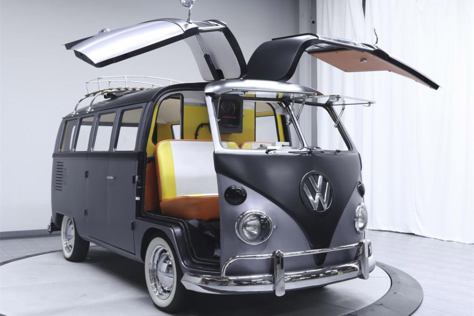 volkswagen-bus-back-to-the-future-01-960x640